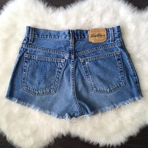 VTG 90s Levis High Waisted Jean Shorts